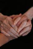 Hände, Jugend und ältere Personen Stockbilder
