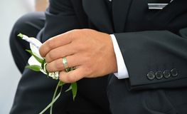 Hände mit Ring Lizenzfreie Stockfotos