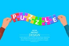 Hände setzten Partikel von mehrfarbigen Puzzlespielen lizenzfreie abbildung