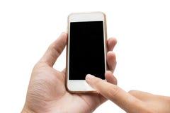 Hände unter Verwendung des Handys, der intelligentes Telefon in lokalisiertem backgroun hält Lizenzfreie Stockfotos