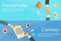 Händedruck-Geschäftsmann-Contract Sign Up-Papier Stockbilder