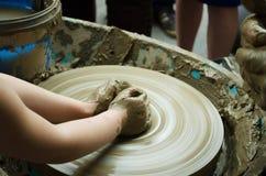 Händer av ett barn Royaltyfri Foto