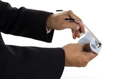 Händer av rengörande exponeringsglas för affärsman Royaltyfri Bild