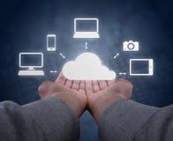 Händer rymmer ett moln Fotografering för Bildbyråer
