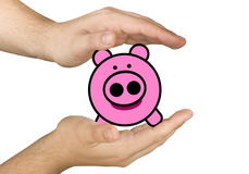 Händer skyddar besparingar Piggybank Royaltyfri Bild
