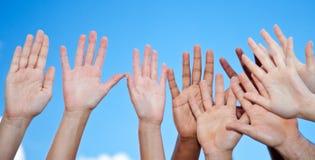 Händer som når himlen Royaltyfri Bild