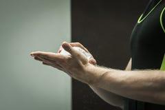 Händer som powerlifting Royaltyfria Foton