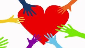 Händer trycker på röd hjärta för förälskelseträd