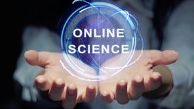 Händer visar det runda hologrammet online-vetenskap arkivfilmer