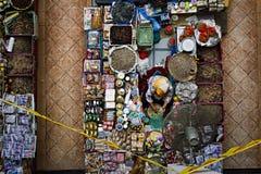 Händler am trockenen Markt stockbild
