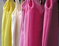 hänga för kläder Royaltyfri Bild