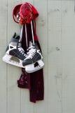 hängande hockeyskridskor Royaltyfri Foto