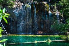 hängande lake Arkivbild