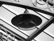 Hängande lampa i en drevstation i sheffield Royaltyfria Foton