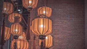 Hängande ljus för takljuskronalampa fotografering för bildbyråer