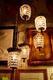 Hängande ljuskronor för antikvitet Arkivfoton