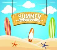 Hängande sommar som surfar tecknet med färgrika surfingbrädor och sjöstjärnan vektor illustrationer
