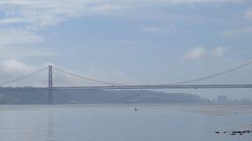 Hängebrücke über Fluss der Tajo Stockbilder