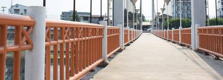 Hängebrücke über Fluss Wang Lampang, Thailand Lizenzfreies Stockbild