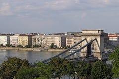 Hängebrücke-Budapest-Markstein Stockbild