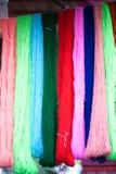 Hängende Beschaffenheit und Hintergrund des Silk Schrittes Stockbild