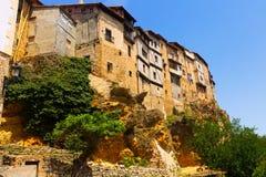 Hängende Häuser auf Felsen in Frias Provinz von Burgos Lizenzfreies Stockbild