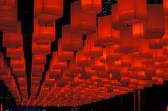 Hängende rote Laternen Stockfotografie
