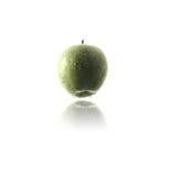 Hängender grüner Apfel Stockfotos