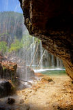 Hängender See-Wasserfall Stockfoto