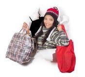Hänger lös hållande shopping för kvinnan royaltyfria bilder