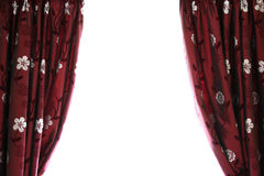 hänger upp gardiner halvöppen avståndswhite arkivfoto