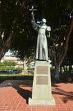 Hängiven staty att avla Junipero Serra In Downtown Los Angeles arkivbilder