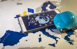 Hänglåset och EU sjunker inom en smartphone och EU-översikten, GDPR-metafor Royaltyfria Bilder