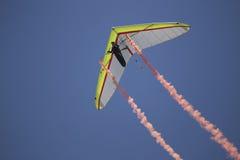 Hängningglidflygplanet under öppningscermoni, Juli 4, självständighetsdagen ståtar, Telluride, Colorado, USA Arkivfoton