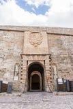Hänrycka porten av Dalt Vila i Ibiza, Spanien Royaltyfri Fotografi