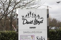 Hänrycka tecknet och logoen på den David Lloyd fritidlättheten fotografering för bildbyråer