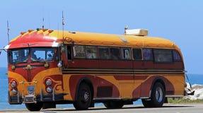 Här kommer den hippy bussen! Arkivbilder
