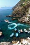 Härbärgera sikten i Riomaggiore, Cinque Terre, Italien Arkivfoton