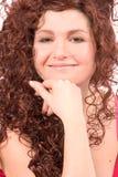härlig älskvärd leendekvinna royaltyfri fotografi