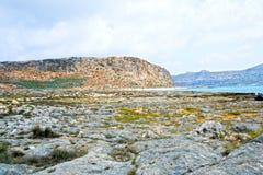 Härlig ö av Gramvousa, blått hav för kristall - Grekland Arkivfoton