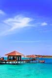 Härlig aboriginal beachfront villa i Maldive Arkivbilder
