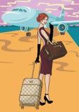 Härlig affärskvinna på flygplatsen Royaltyfria Bilder