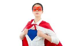 Härlig affärskvinna som agerar som en superhero Royaltyfria Foton