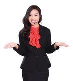 härlig affärskvinnahörlurar med mikrofon Royaltyfria Bilder