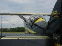 Härlig airshowPitts S-1 biplan Royaltyfria Foton