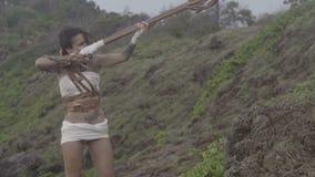 Härlig amazon kvinnakrigare arkivfilmer