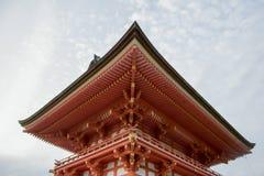 Härlig arkitektur i den Kiyomizu-dera templet Kyoto, Japan Royaltyfri Bild
