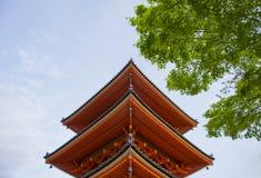 Härlig arkitektur i den Kiyomizu-dera templet Kyoto, Japan Royaltyfria Bilder