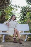 Härlig asiatisk flicka i vinterlag Royaltyfria Bilder