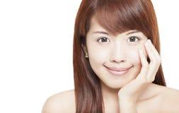 Härlig asiatisk kvinnaframsida Arkivfoton